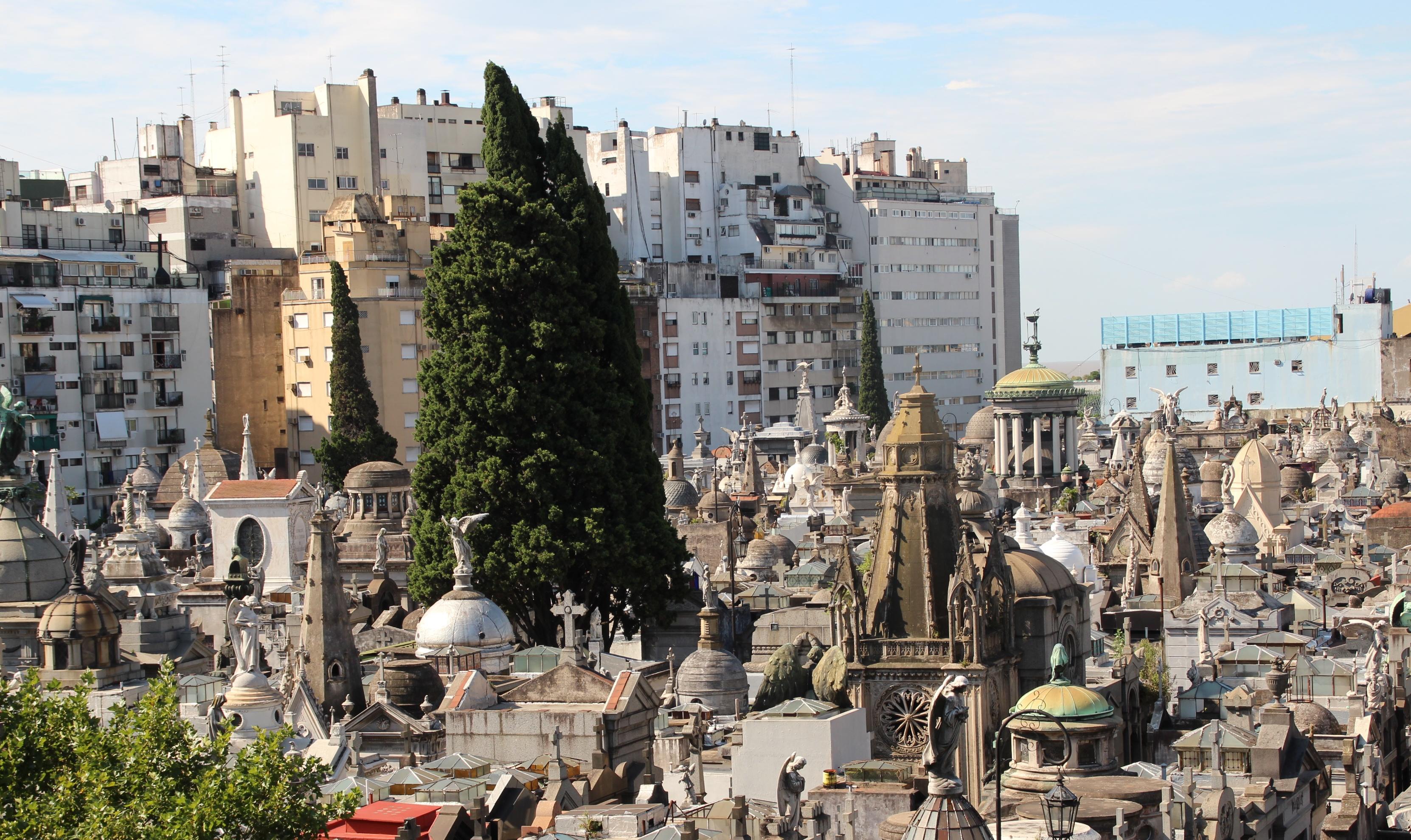 Cementerio de la recoleta buenos aires reportajes for Cementerio parque jardin del sol pilar