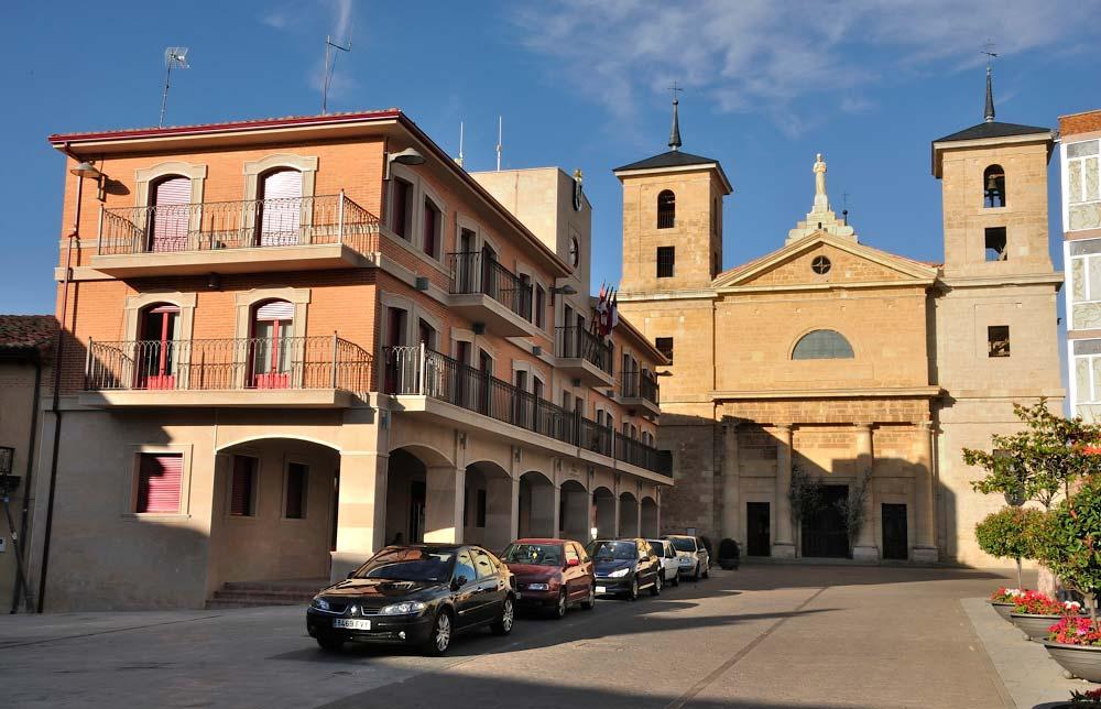 San pedro ap stol valencia de don juan parroquias en for Horario piscinas valencia de don juan