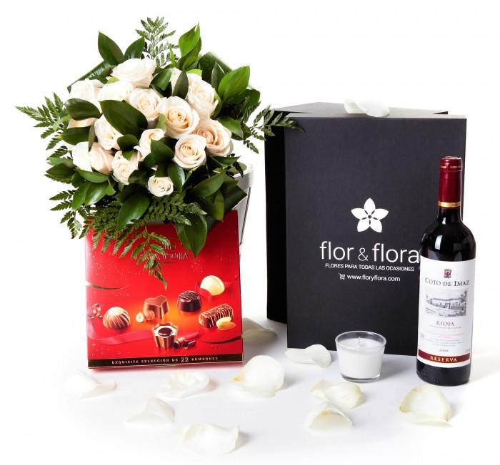 Caja regalo 12 rosas blancas + Nestlé grande + vino Rioja_caja-pequeña-negra-+-12-blancas-+-bombones-+-vela-+-tinto