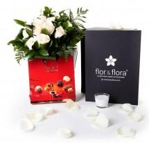 Caja regalo 12 rosas blancas + vela + regalo