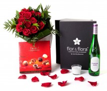 Caja regalo 12 rosas rojas + vela + vino blanco + regalo