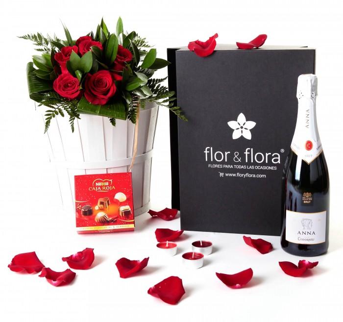 Caja regalo 6 rosas rojas + Nestlé + cava_caja-pequeña-negra-+-6-rojas-+-bombones-+-cava-+-velas