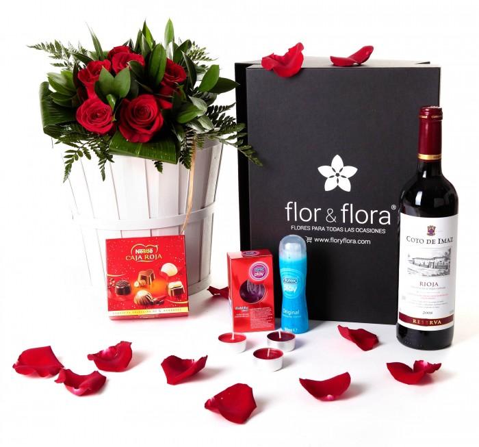 Caja regalo 6 rosas rojas + Nestlé + Durex + vino Rioja_caja-pequeña-negra-+-6-rojas-+-bombones-+-durex-+-velas-+-tinto