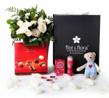 Caja regalo rosas blancas San Valentín picante