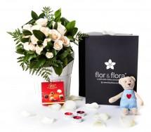 Caja regalo rosas blancas San Valentín